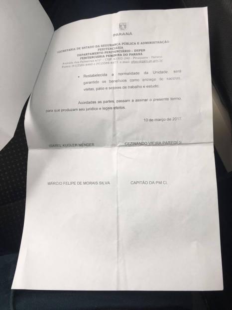 Compromisso firmado entre equipe negociadora e as presas